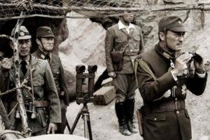 Japon Subay Siperde Düşmanı Gözetliyor