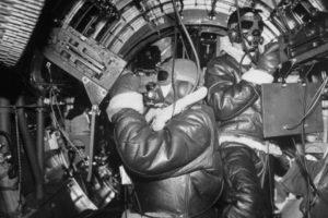 Amerikan B-17'nin içindeki personel