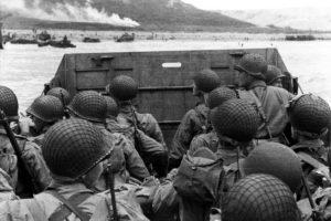 Çıkartma yapmaya hazırlanan askerler